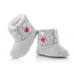 Kozaczki niemowlęce. Szare buciki niechodki idelane na prezent dla niemowlaka.