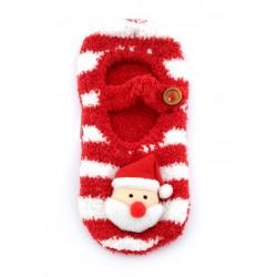 Ciepłe świąteczne skarpeto-kapcie domowe zapinane na guzik. Święty Mikołaj.