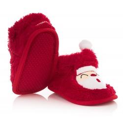 Czerwone kapcie dla dziecka z Mikołajem zapinane na rzep.