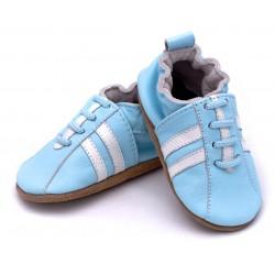 Niebieskie buciki dla dziecka ze skórki.