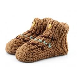 Cieplutkie skarpety niemowlęce jak babcine robione na drutach.