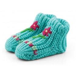 Błękitne skarpetki niemowlęce jak babcine na drutach. Prezent dla noworodka.