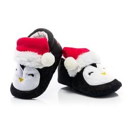 Świąteczne buciki dla niemowlaka - niechodki w postaci pingwinka.