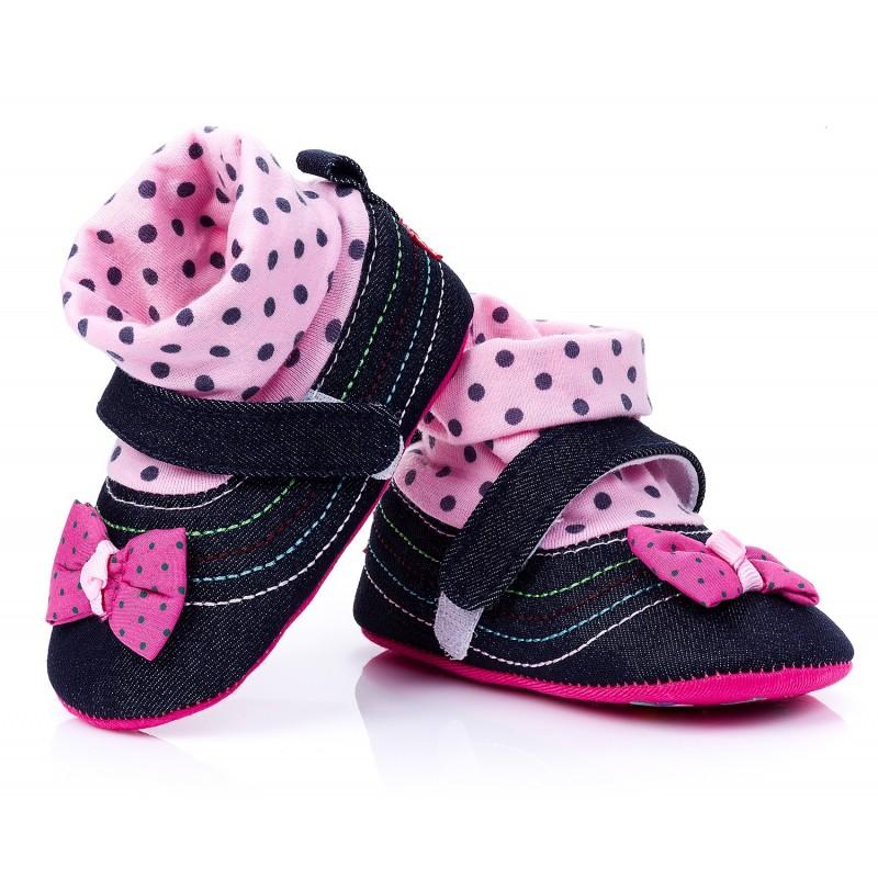 Ocieplane trampki niemowlęce dla dziewczynki. Kolor Rożowy
