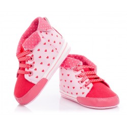 Różowe niechodki dla małych dziewczynek. Cholewka w serduszka.