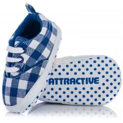 Buciki niemowlęce w kratę - niebieskie niechodki dla chłopca.