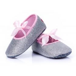 Lekkie buciki dziecięce - błyszczące baletki srebrne i złote.