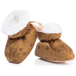 Brązowe, ciepłe buciki niemowlęce z puchową wyściółką.