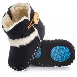 Czarne kozaki dla niemowlaka niechodki. Idealne na chłodne dni.
