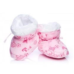 Ciepłe różowe buciki niemowlęce. Wewnętrzna część puchowa.